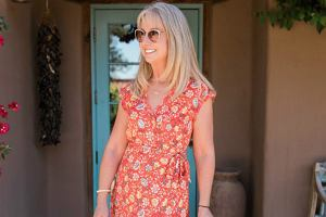 sukienki na lato dla dojrzałych kobiet
