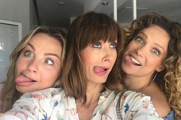"""Anita Sokołowska opublikowała nowe zdjęcie prosto z planu """"Przyjaciółek"""". Czy aktorka zdradziła nim ważny wątek serialu?"""
