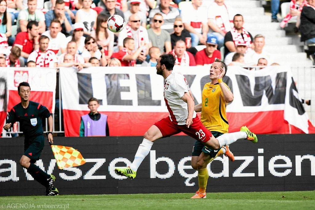 Reprezentacja Polski wygrała w Gdańsku z Litwą 2:1 po bramkach Arkadiusza Milika oraz Roberta Lewandowskiego z rzutu karnego.