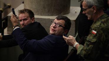 Zbigniew Stonoga protestuje w Sejmie