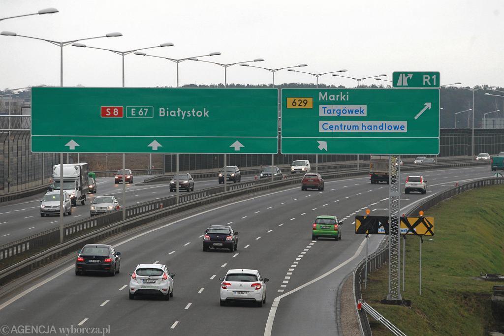 Na Trasie Toruńskiej w Warszawie doszło do pożaru busa, którym dzieci wracały z kolonii. Nikomu nic się nie stało. Zdjęcie ilustracyjne