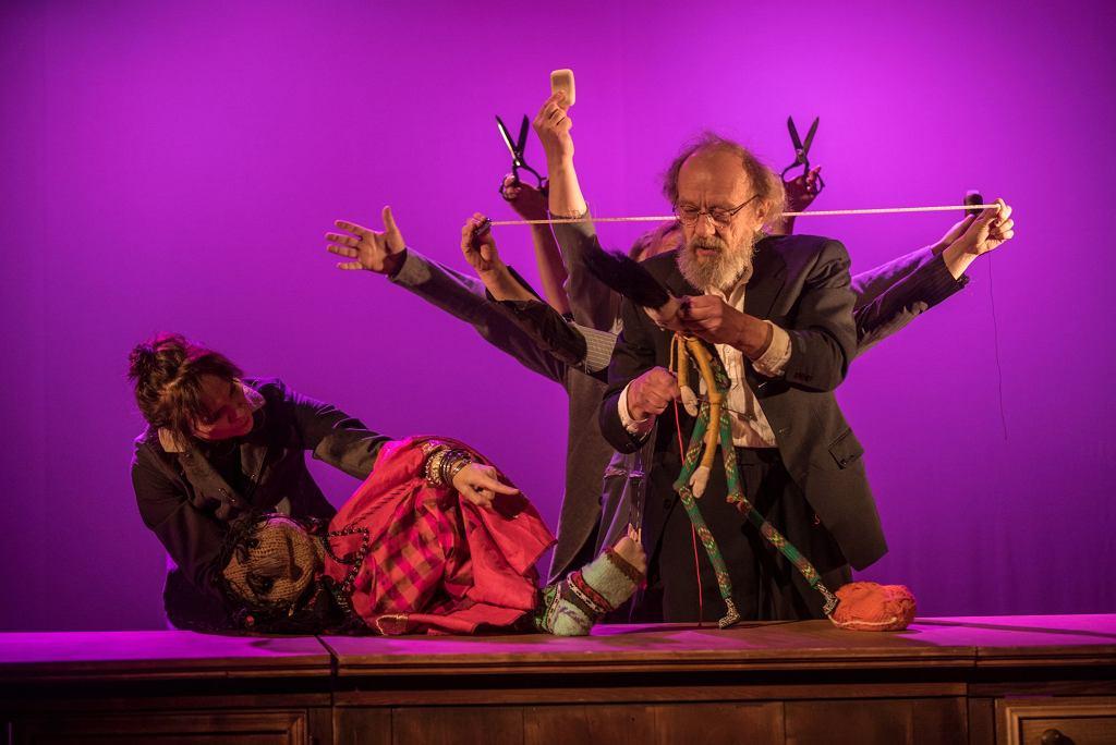 Krawiec Niteczka, Teatr Lalka / fot. Marta Ankiersztejn