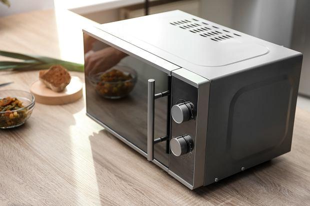 Kuchenka mikrofalowa - czy warto mieć ją w kuchni?