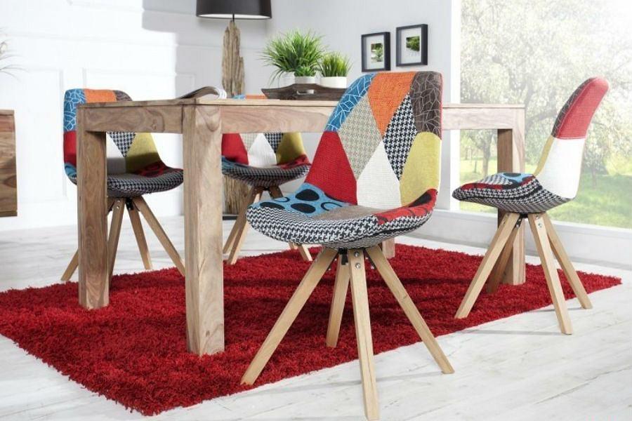 Modne, kolorowe krzesła są HITem tego roku