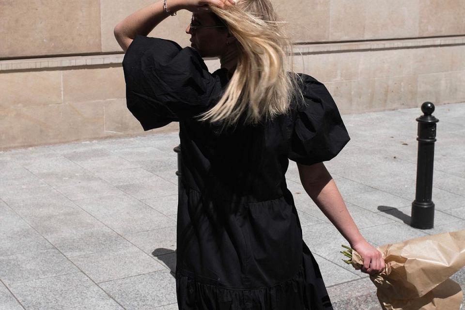W tej sukience stworzysz swoją sylwetkę