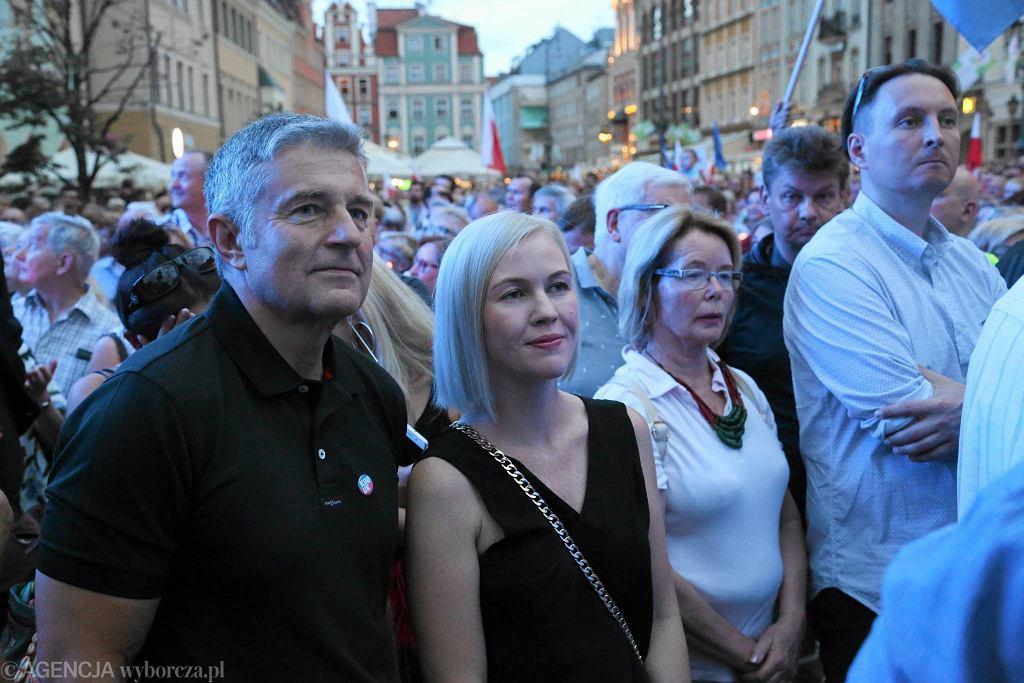 Władysław Frasyniuk na manifestacji we Wrocławiu