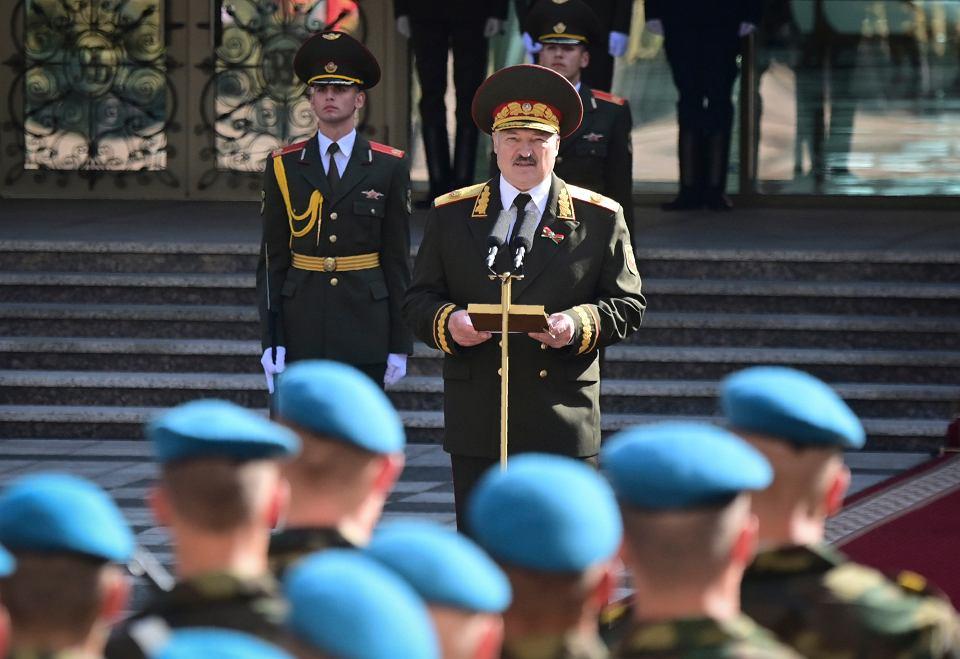 Aleksander Łukaszenka przemawia po inauguracji do żołnierzy, 23 września 2020 r.