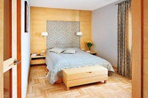 Ściana z łóżkiem