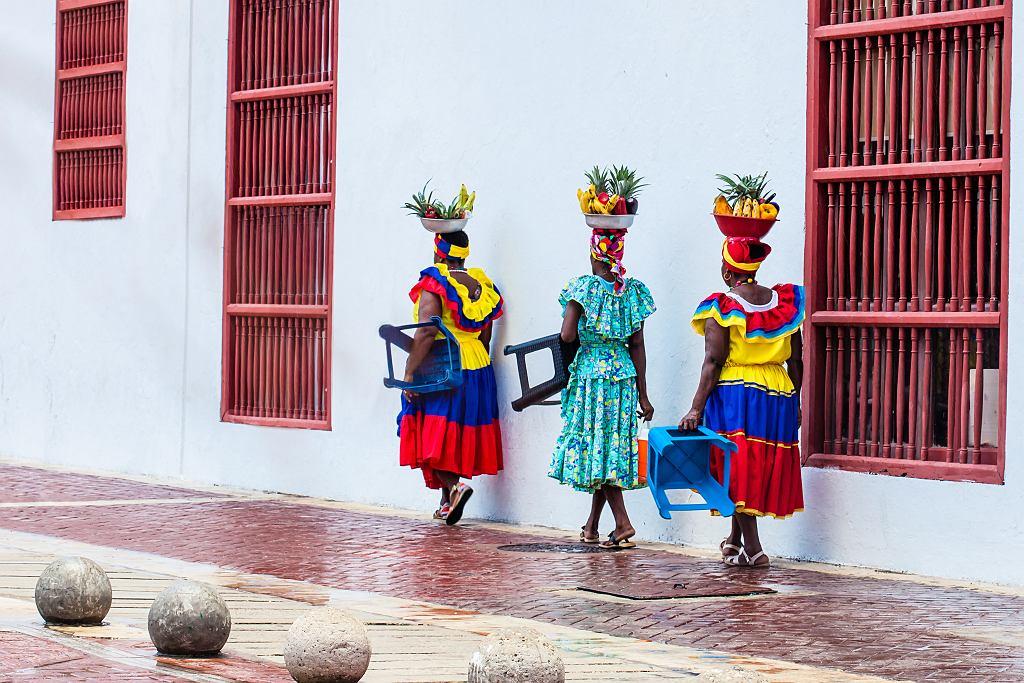 FCartagena,De,Indias,,Colombia,-,August,,2018:,Traditional,Fruit,Street