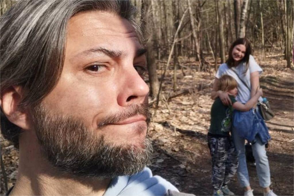 Olivier Janiak z dziećmi i żoną