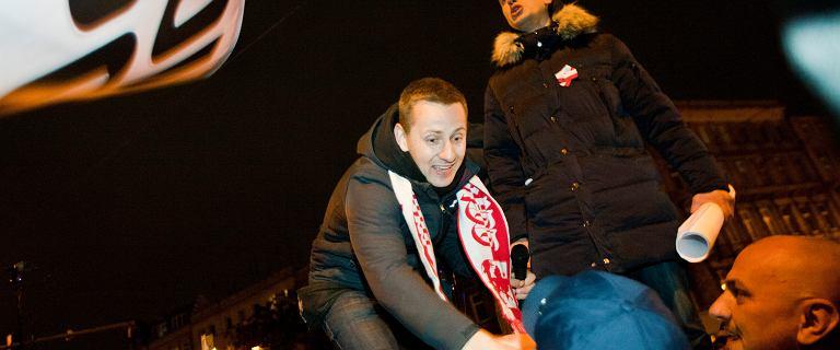 Jacek Międlar życzy urzędnikom linczu. Mówi o przywiązywaniu do pręgierza