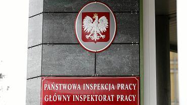 Konferencja w Panstwowej Inspekcji Pracy w Warszawie na temat zakazu handlu w niedziele