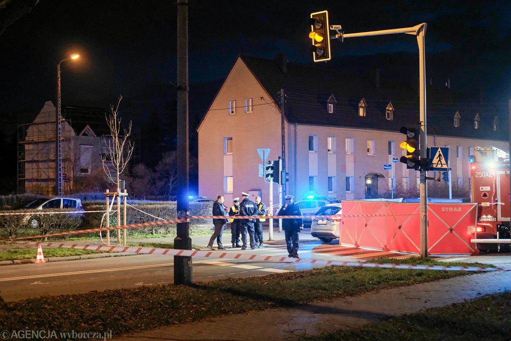 28 listopada 2019 r. Śmiertelne potrącenie 8-letniej dziewczynki na skrzyżowaniu ul. Opolskiej i Jesionowej na poznańskim Dębcu