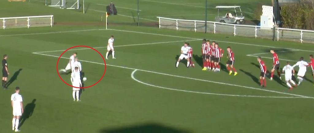 Piękne uderzenie Mateusza Bogusza w meczu z Sheffield United