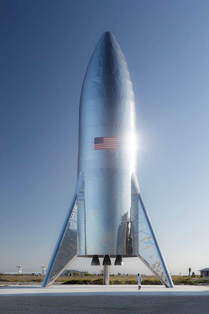 To zdjęcie, nie grafika komputerowa. Starship Hopper wstępnie złożony w całość w styczniu