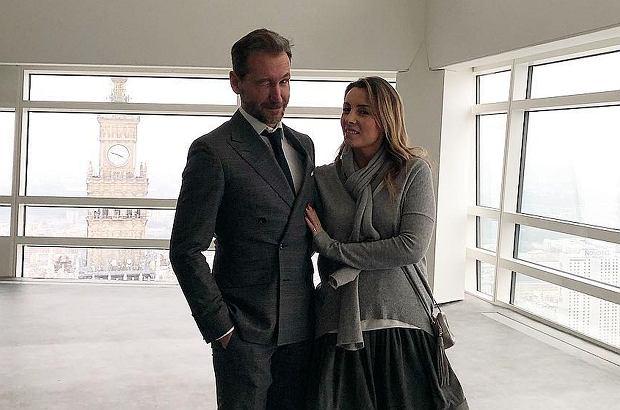 Zdjęcie numer 1 w galerii - Piotr Kraśko z żoną mają nowe mieszkanie. To najbardziej prestiżowy budynek w Warszawie! Mieszkają w nim Krupa i Lewandowscy [ZDJĘCIA]