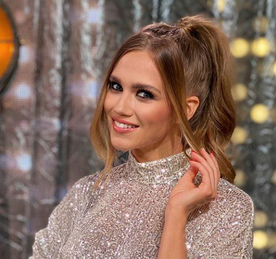 Agnieszka Kaczorowska zachwyca w spódnicy z H&M. Jest idealna na sylwestra