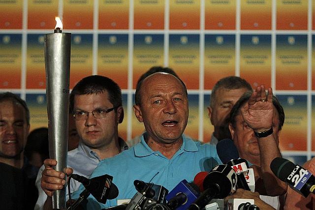 Prezydent Rumunii Traian Basescu po ogłoszeniu wstępnych wyników referendum