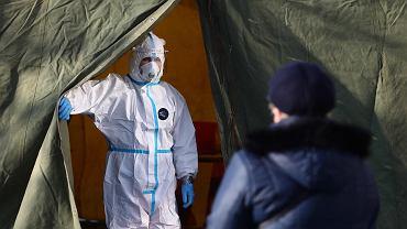 Przy Zespole Szkół Specjalnych nr 6 w Krakowie rozpoczęły się badania przesiewowe na obecność wirusa SARS-CoV-2 dla nauczycieli klas 1-3.