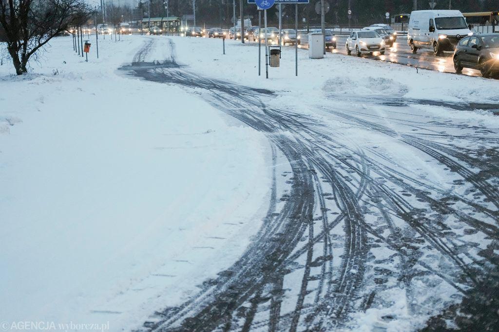 Pogoda w Polsce. Odwilż i marznący deszcz w całym kraju. Od niedzieli powrót zimy