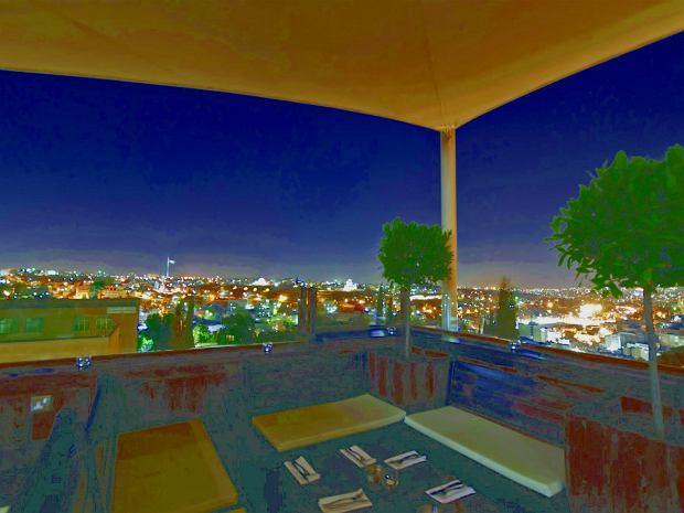 Piękny widok na miasto z Cantaloupe Gastro Pub w Ammanie