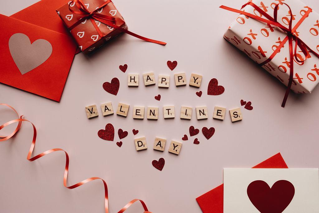 Walentynki 2021. Pomysły na prezent dla niej i dla niego