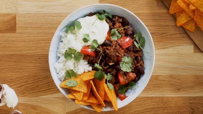 Chili con carne z nachosami