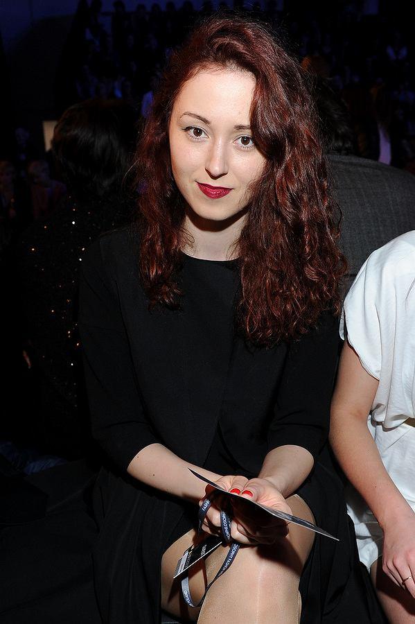 Fashion Week 2014, Fashion Week 2014 -piątek - gwiazdy, maj 2014, makijaż, usta bordo, włosy rude, Liliana Pryma