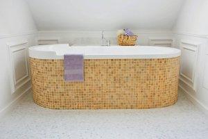 Łazienka: jak obudować wannę
