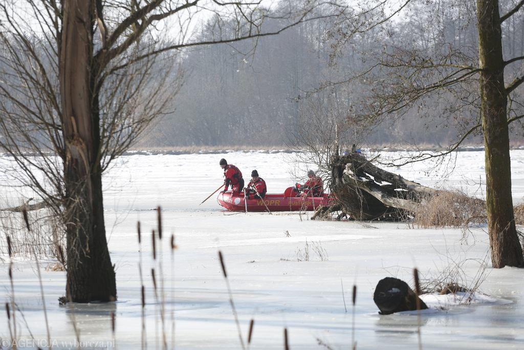 Trwają poszukiwania ciała Jana Lityńskiego. Ratownicy wyłowili z rzeki jego kaszkiet