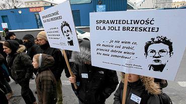 Pikieta w sprawie braku postępów w śledztwie po śmierci działaczki lokatorskiej Jolanty Brzeskiej (2013 r.)