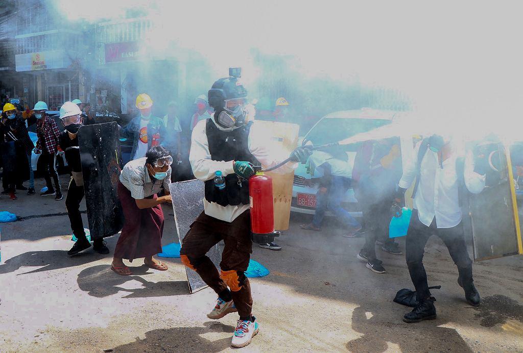 Birma. Najkrwawszy dzień protestów. Zginęło 38 osób, w tym dzieci