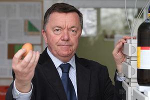 Prof. Tadeusz Trziszka, jajolog z Wrocławia, przez znajomych zwany jajcarzem, przekonuje Polaków, że warto jeść co najmniej dwa jaja dziennie