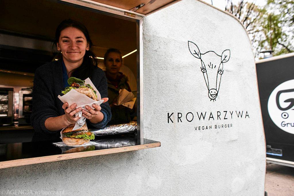 Krowarzywa. Wegańskie burgery ze stolicy w OFF Piotrkowska