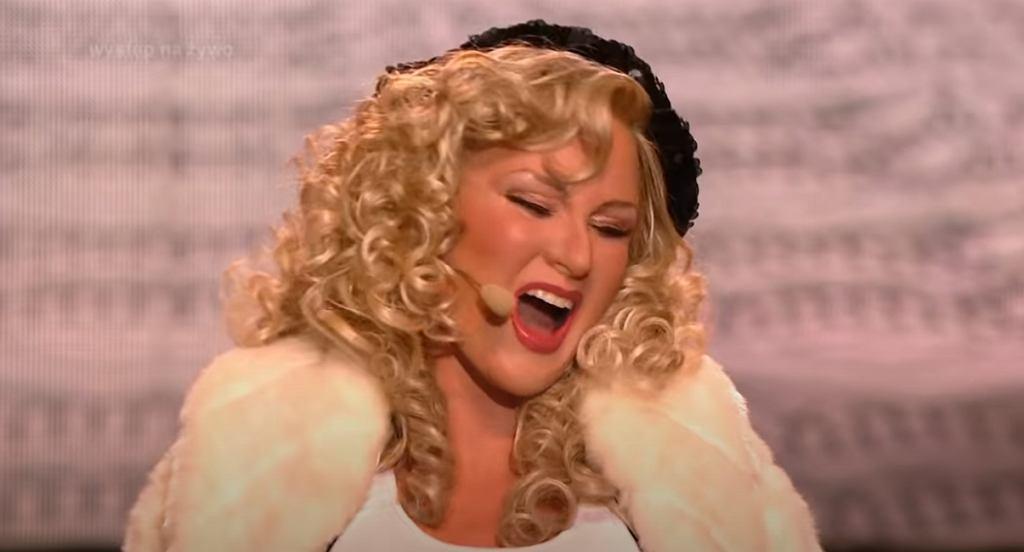 Anna-Maria Sieklucka jako Christina Aguilera