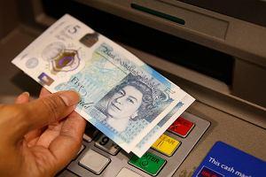 Brytyjski funt znowu tanieje