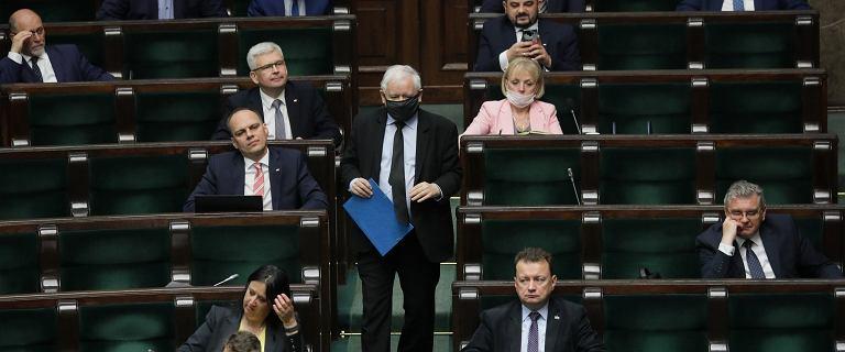 Sondaż: Koalicja Obywatelska przed Polską 2050
