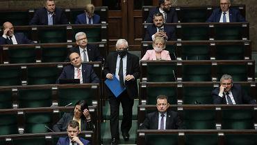 Drugi dzień 12 posiedzenia Sejmu IX kadencji. Warszawa, 28 maja 2020 - zdjęcie ilustracyjne