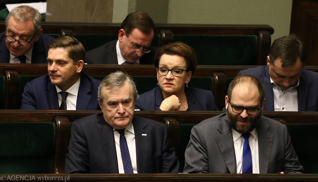 Minister kultury Piotr Gliński i wiceminister Paweł Lewandowski podczas posiedzenie Sejmu VIII Kadencji