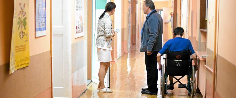 'To nie jest lekarz, którego łapie się w biegu za rękaw'. Jak nauczyć medyków empatii?
