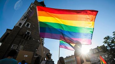 Rafał Trzaskowski zadeklarował, że w styczniu podpisze Kartę LGBT+, która określi miejską politykę dotyczącą mniejszości seksualnych.