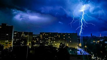 Pogoda w Radomiu. Burze z gradem nad Radomiem i regionem. Powieje nawet do 100 km/h