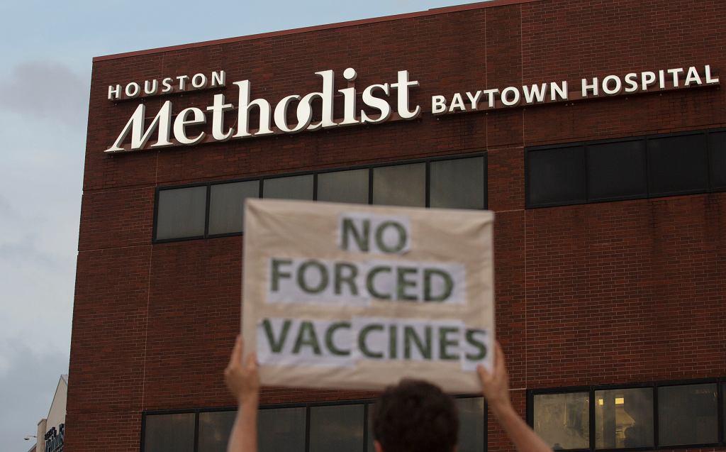 Szpital w Houston zwolnił pracowników, którzy nie chcieli się zaszczepić