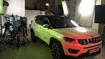 W trzecim do studia przyjechało jeszcze inne auto - Jeep Compass, a więc jeden z najnowszych kompaktowych SUV-ów na polskim rynku.