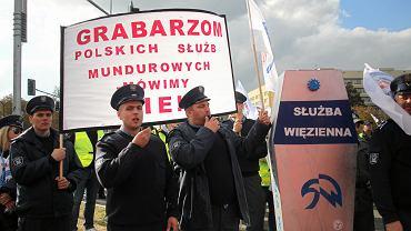 Protest służb mundurowych w Warszawie na początku października