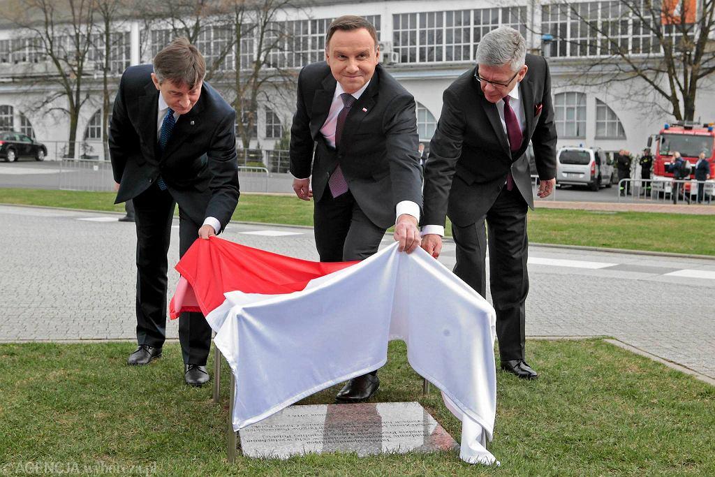 1050. rocznica chrztu Polski. Odsłonięcie tablicy upamiętniającej posiedzenie Zgromadzenia Narodowego na poznańskich Targach