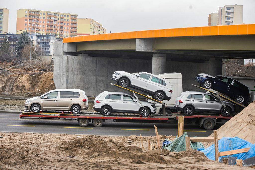 Od lipca wydłużono z 30 do 60 dni termin na obowiązkową rejestrację używanego auta, wwiezionego do Polski. Eksperci wskazują, że zamąci to obraz sytuacji na rynku.
