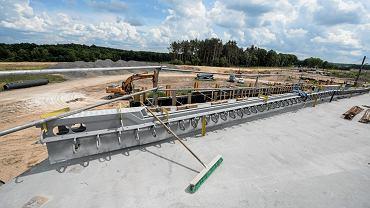 Budowa drogi ekspresowej.