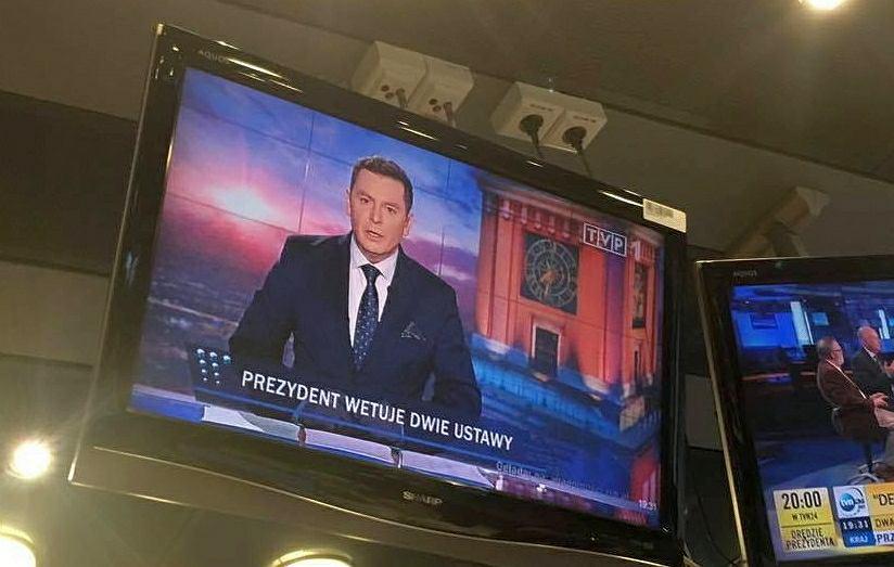 Wiadomości TVP o wecie Dudy
