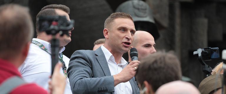 "Narodowcy rzucili flagą UE. ""Polska durnota lub ruska prowokacja"""
